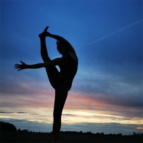 Pia macht Yoga